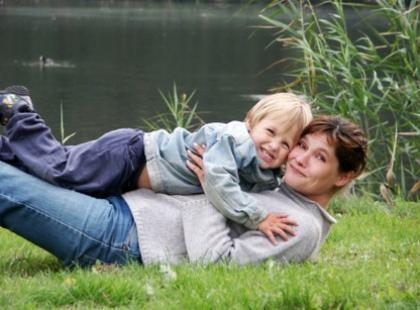 Mama niedoskonała - Szczenię na smyczy