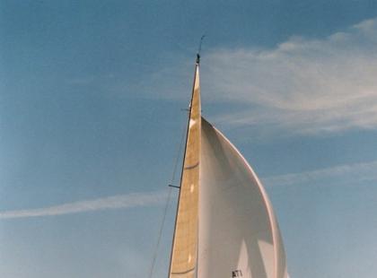 Manewry na wodzie: kursy i zwrot z wiatrem oraz żeglowanie przy silnych wiatrach