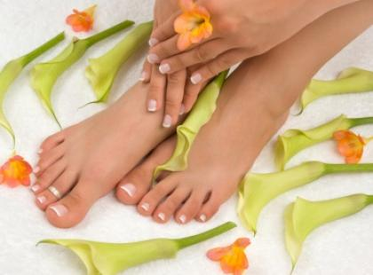 Manicure i pedicure do ślubu