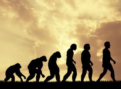 """Marian Kowalski """"obalił"""" teorię ewolucji: """"Gdyby to było prawda, ludzie mieliby dwie wątroby, bo alkohol wynaleźli dawno"""""""