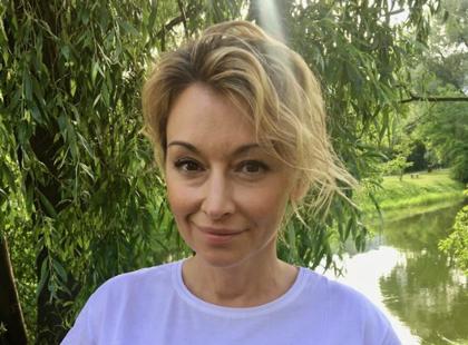 Martyna Wojciechowska w najmodniejszym T-shircie sezonu. Tłumaczymy, w czym tkwi jego niezwykłość
