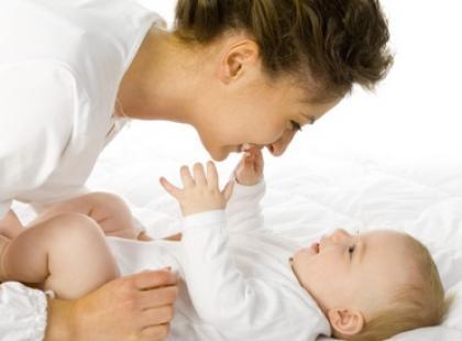 Masaż brzucha niemowlaka