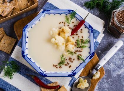 Masz ochotę na orientalny krem z kalafiora i curry? Szybki przepis!
