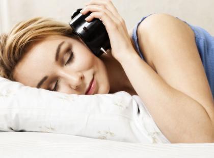 Masz problem z porannym wstawaniem? Oto 8 rad dla ciebie!