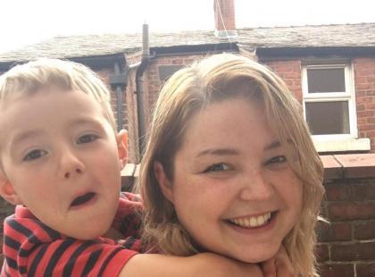 Matka karmi piersią swojego 5-letniego syna. I namawia do tego inne kobiety