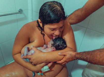 Matka wylizała dziecko po porodzie. Będziecie zaskoczone, dlaczego…