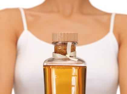 Medycyna ajurwedyjska - płukanie ust olejem