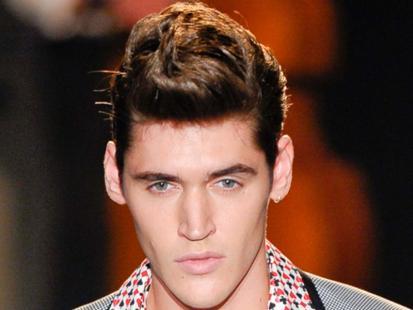 Męskie fryzury - jak Johnny Bravo