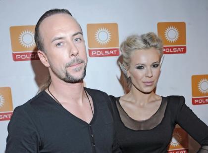 Męskie stylizacje i wariacje na czerwonym dywanie Polsatu
