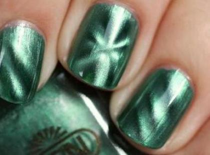 Metaliczny manicure
