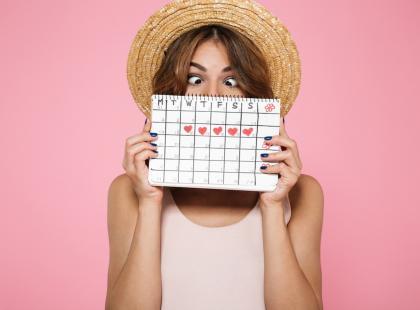 Miesiączka co 2 tygodnie albo co 3 miesiące... Jakie są przyczyny nieregularnego cyklu?