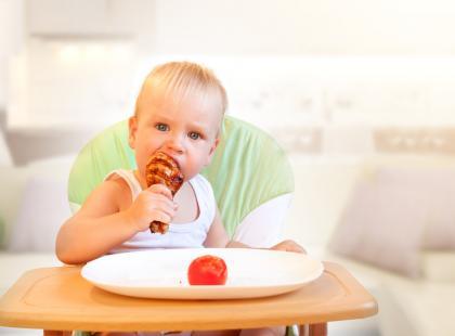 Mięsko w diecie maluszka – jak rozpocząć rozszerzanie diety dziecka o pierwsze mięsne posiłki?