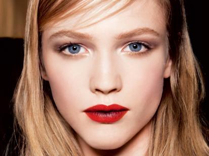 Mikołajkowy makijaż w klasycznym stylu