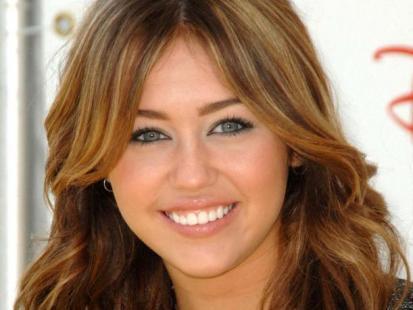 Miley Cyrus przekuła sobie nos