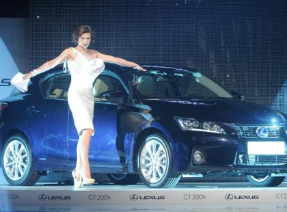 Milla Jovovich gościem specjalnym na Lexus Fashion Night
