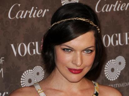 Milla Jovovich wychodzi za mąż, bo nie chce by jej dziecko było bękartem!