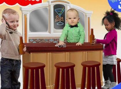 Mini bar na świąteczny prezent dla dzieci. Rodzice są oburzeni!