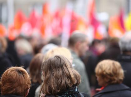 Młodzi na całym świecie przestają wierzyć w demokrację. A jak to jest w Polsce?