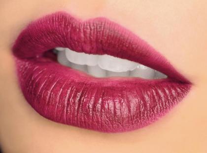Mocny akcent w makijażu - brwi i usta