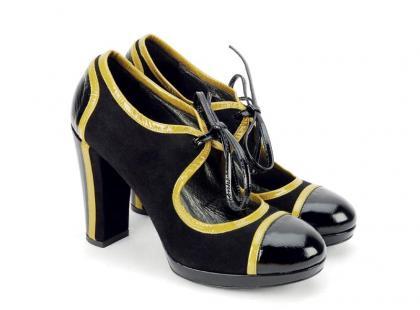 Modne buty: czarne lakierki