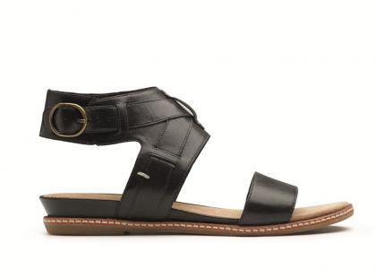Modne buty marki Clarks na  lato 2012