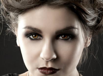Modne i bardzo kobiece makijaże na Halloween