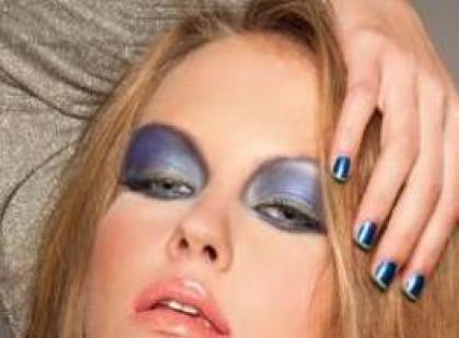 Modne kolory makijażu karnawałowego