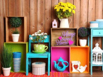 Modne przedmioty w kolorach lata, które ożywią twoje mieszkanie