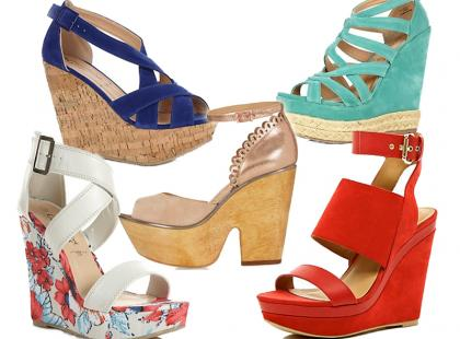Modne sandały na koturnie na lato 2013