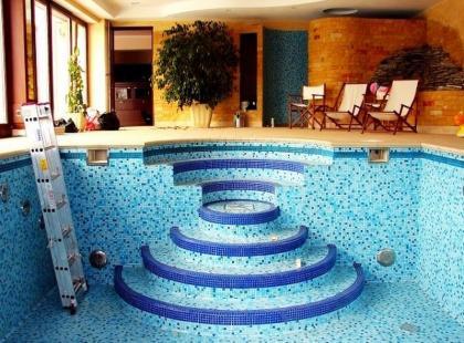 Modny basen - propozycje domowego SPA