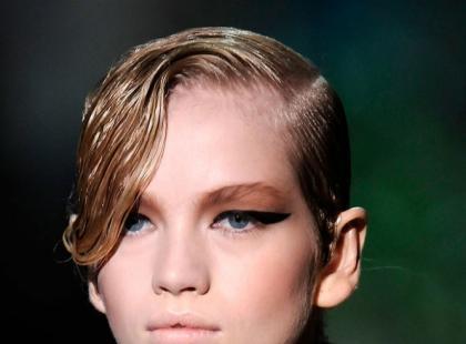 Mokre włosy - modne fryzury na 2010 rok