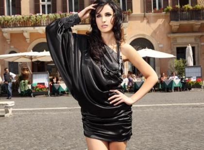 Mona - suknie koktajlowe i wieczorowe na lato 2010