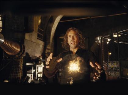 """Monica Bellucci i Nicolas Cage w filmie """"Uczeń Czarnoksiężnika"""""""