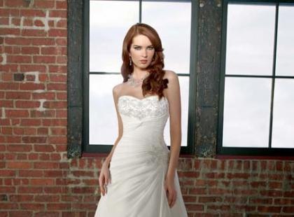 Mori Lee - wytworne suknie ślubne 2012