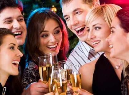 Możemy porozmawiać czyli jak podtrzymać rozmowę na przyjęciu