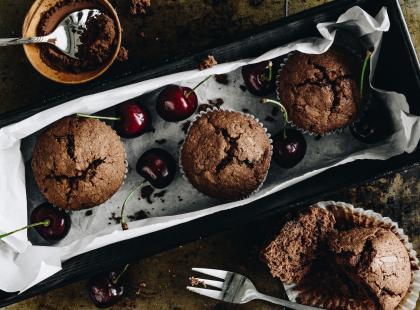 Muffiny z kremem i z wiśniami - przepis