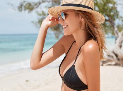 Must-have na lato 2018! 11 rzeczy, które powinna mieć każda plażowiczka