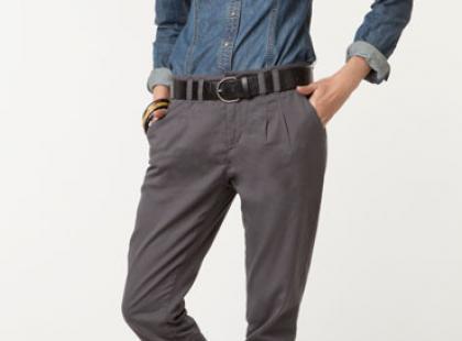 Must-have sezonu - materiałowe spodnie