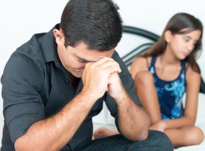 Muszę zbierać na wakacje za granicą! Czy nie ma innego sposobu, bym mógł widywać córkę?