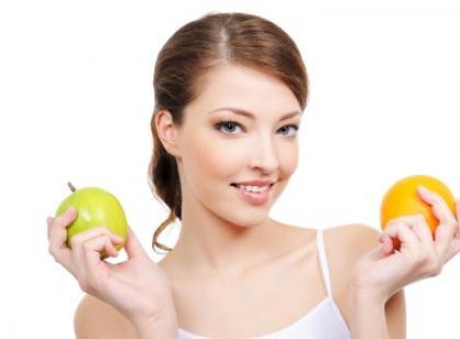 Myć owoce mimo obierania ze skórki