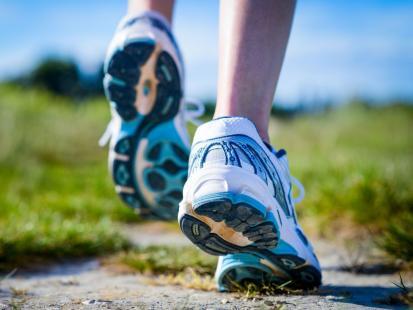 Na co narażone są stopy biegacza?