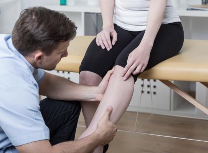 Na czym polega rehabilitacja po zerwaniu więzadła krzyżowego przedniego?