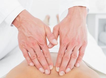 Na czym polega uzdrawiające nakładanie rąk?