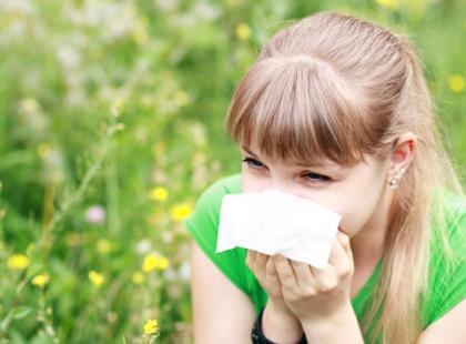 Na jakie alergeny krzyżowe trzeba uważać latem?