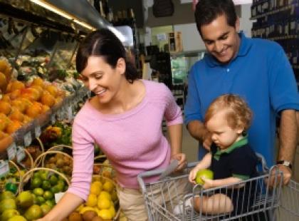 Na zakupy do marketu z dzieckiem czy bez?