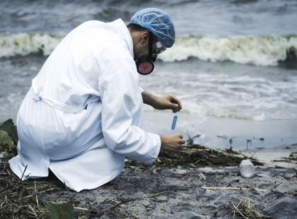 Nad polskim morzem zamykają kolejne kąpieliska! Czy jest się czego bać?