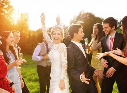 Najlepsze piosenki na wesele! Zobacz 90 propozycji weselnych hitów