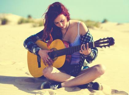 Najlepsze piosenki po rozstaniu, które uleczą złamane serce