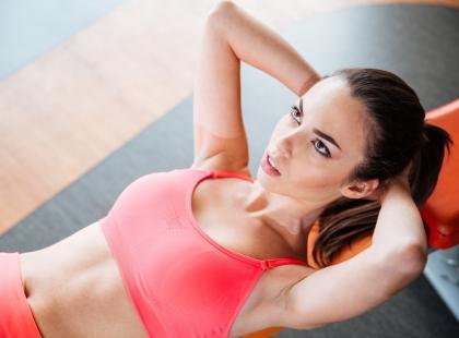 Najlepsze propozycje ćwiczeń na płaski brzuch