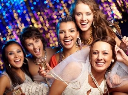 Najlepsze zabawy na wieczór panieński – w domu i na mieście! Znasz je wszystkie?
